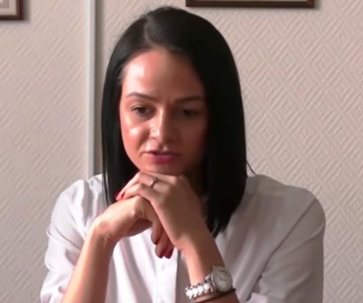 Чиновница из Екатеринбурга Ольга Глацких превзошла саратовскую «мадам Макарошку»